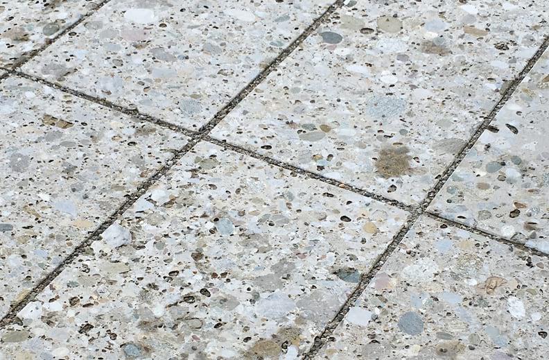 Nagelfluh Bodenplatten Oberfläche geschurt