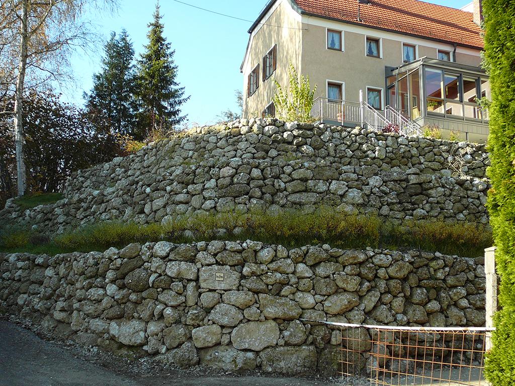 Nagelfluh Bruchsteinmauer