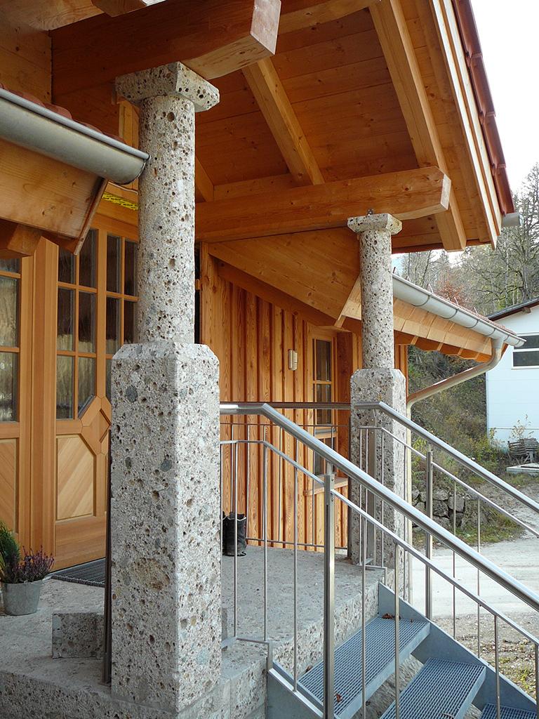 Naturstein Nagelfluh Säulen