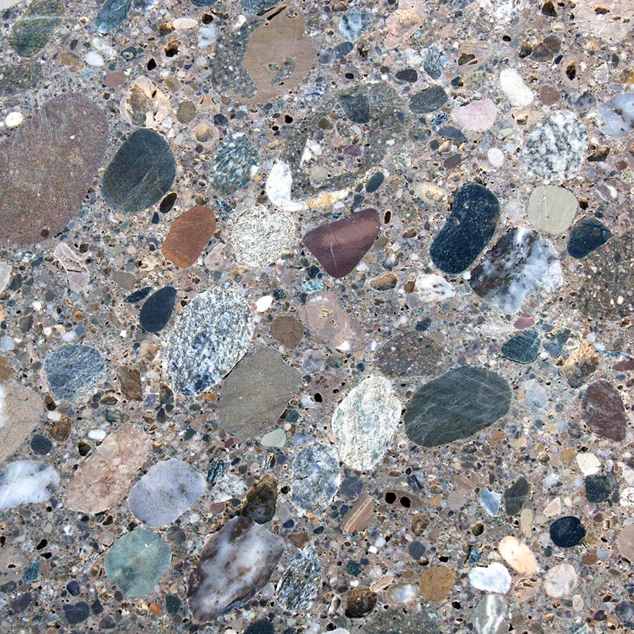 Naturstein Nagelfluh geschliffene Oberfläche