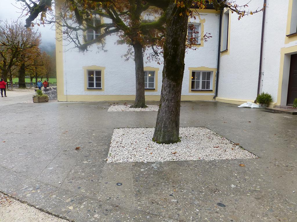 Nagelfluh Bodenplatten in Bartholomä, Koenigssee