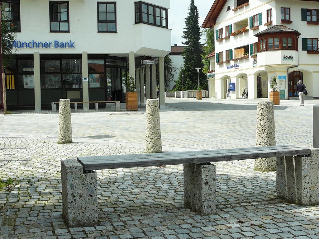 Ortsgestaltung der Ortsmitte Oberhaching mit Naturstein Nagelfluh