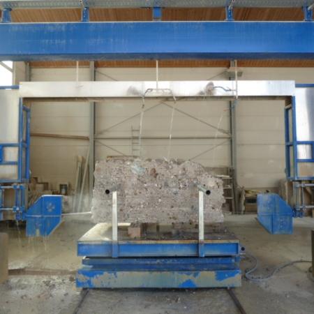 CNC-gesteuerte Blockseilsäge, Spezial-Säge für bis zu 3,50m breite und 1,95m hohe Steinblöcke